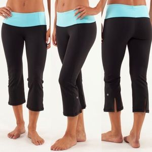Lululemon Gather&Crow Crop Tonka Stripe Angel Blue